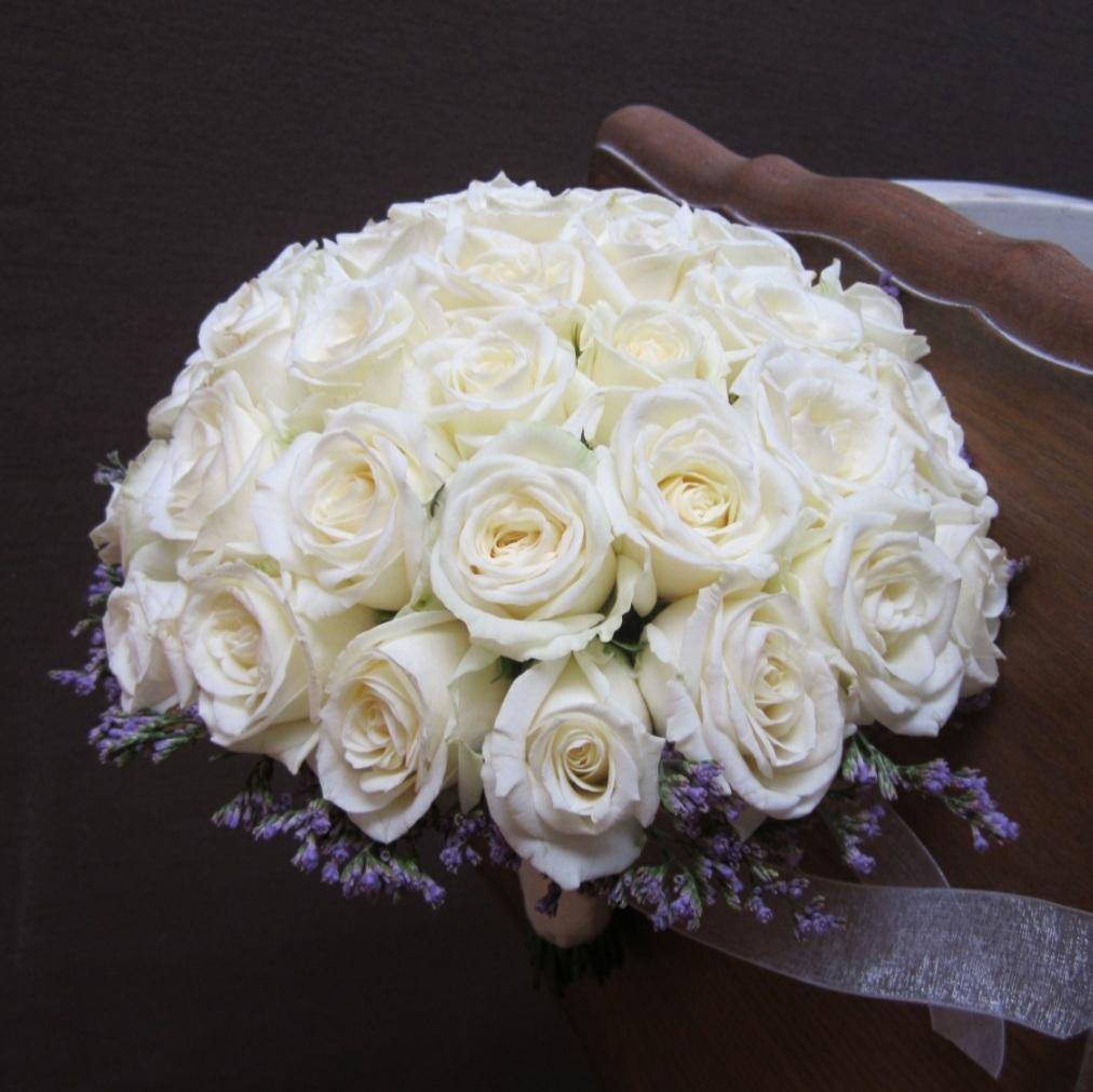 זר כלה ורדים בלבן